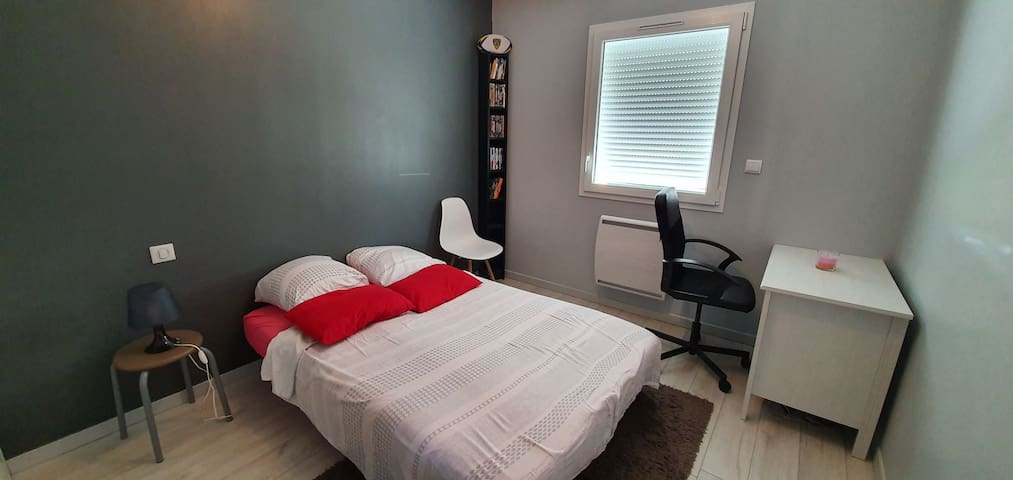 Chambre dans maison neuve et calme