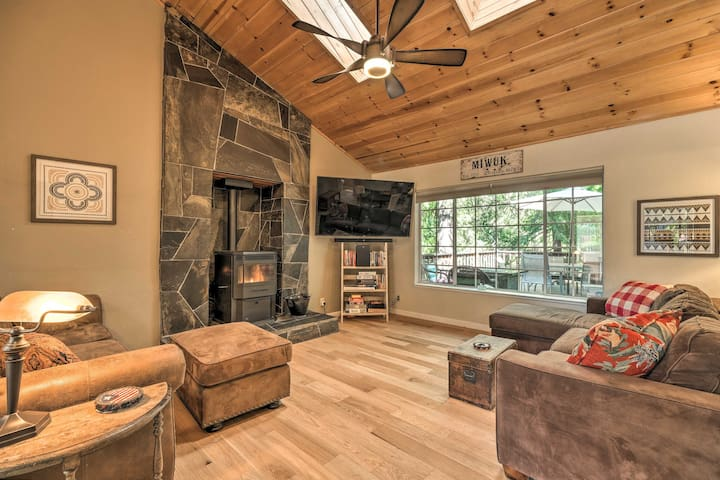 NEW! Modern Mountain Home w/ Deck, Pets Welcome!