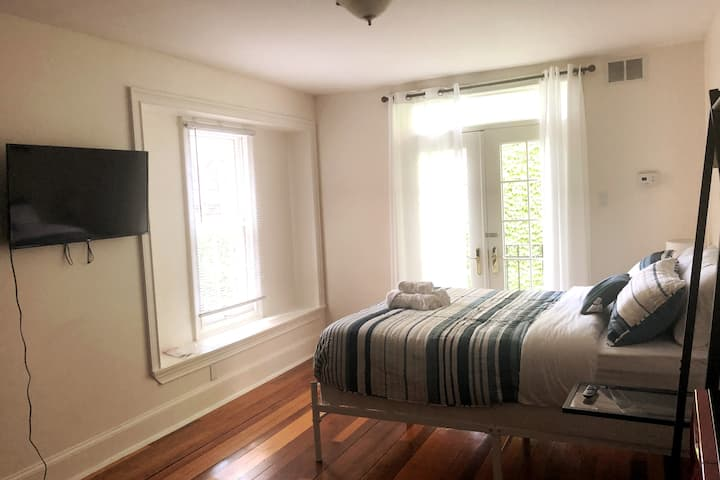 Center City/Rittenhouse PA Apt Studio Unit 2