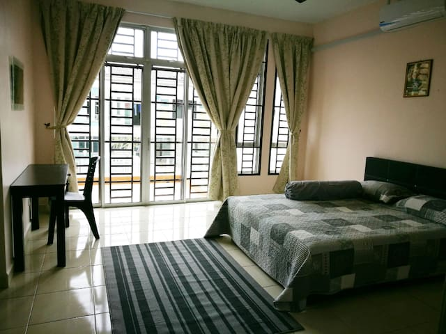 Bed & breakfast near Legoland, great for 9pax
