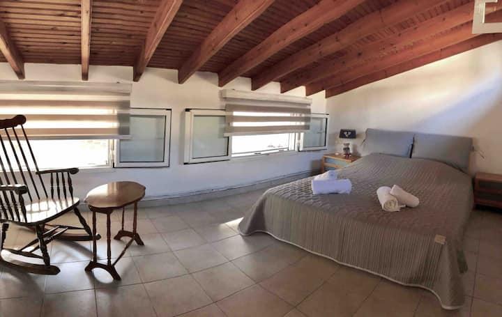 Casa di Porto, unique guest home, up to 5 guests.