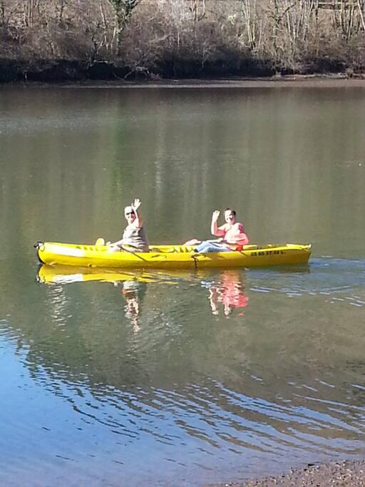 Canoe gratuit sur le lac pour nos clients