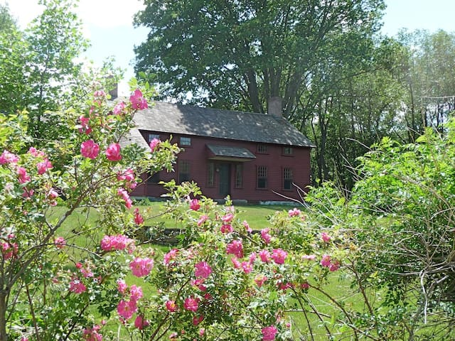 Beautiful Circa 1799 Hudson Valley Farmhouse
