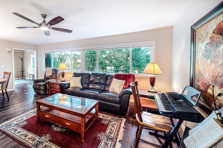 Dog-Friendly Home with WiFi, Private Washer/Dryer, Electric Fireplace, and Patio