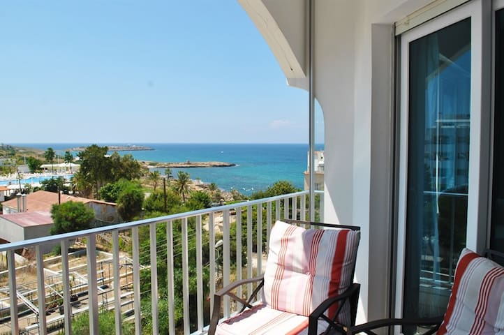 KB103 2 Bedroomed seaview Apartment - Girne - Apartment