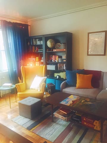 Cozy + Eclectic 1 Bedroom Apartment