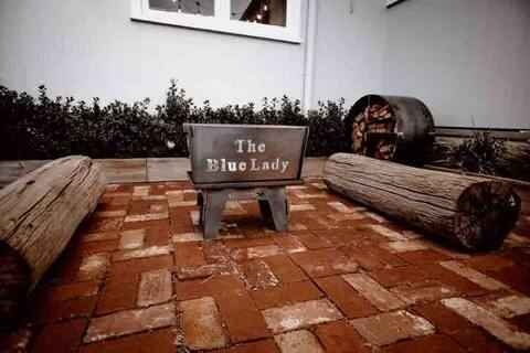 The Blue Lady Cottage for Two