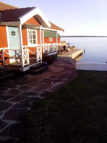 Stuga med underbar havsutsikt - Gävle Ö - Cabaña