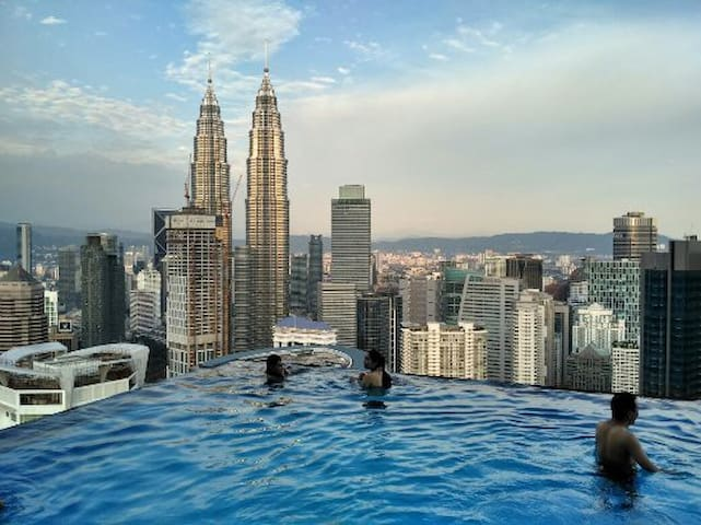 PLATINUM KL. Heaven on Earth View MASTER ROOM {02}
