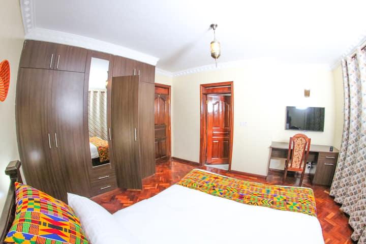 Runda Nairobi - 5* Executive en suite Bed Room .