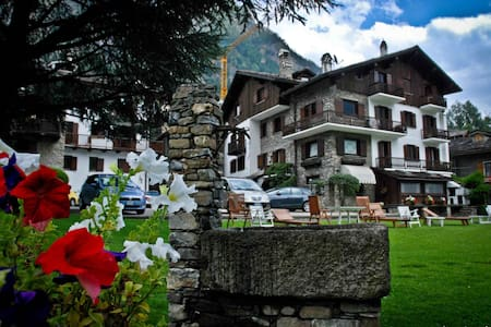 Distinguished apartments and chalet - Palleusieux