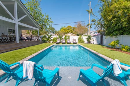 Newly renovated pool home with back yard oasis