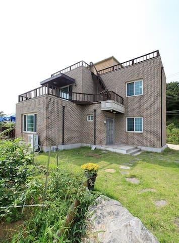 Q house pension - 대한민국 인천광역시 - Dům