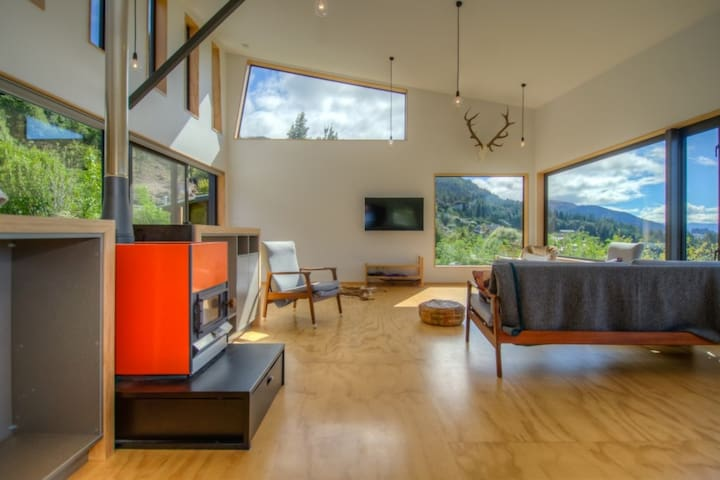 Front House - Downstairs - Queenstown - Casa
