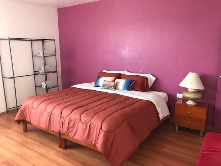 Cómoda suite en Puebla cerca de zonas turísticas.