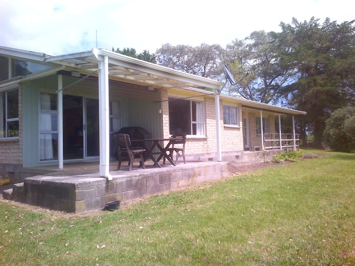 1970's Farmhouse with Views of Doubtless Bay
