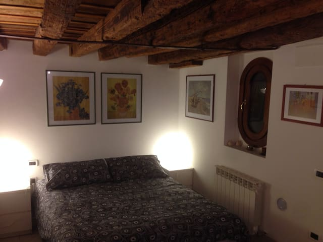 Nice double room in Venice. wifi - Venècia - Casa