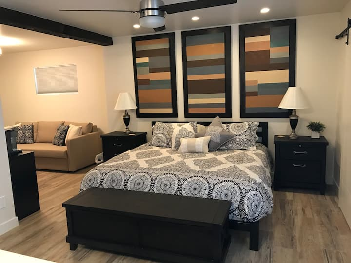 Master Suite On Route 66 / Private Entrance *CLEAN