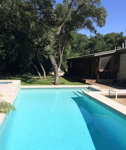 Zilker Luxury - Central 3BR W/ Pool - Austin