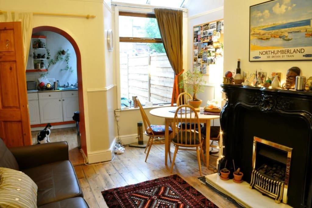 Nice spacious lounge/dining room
