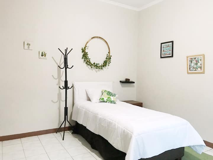 [Room C] Room for two in Tebet