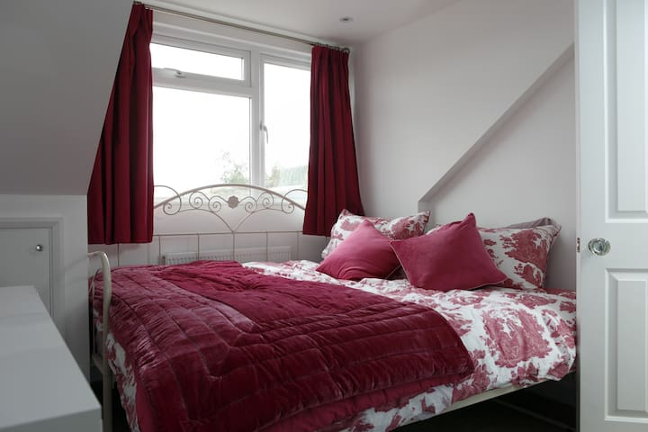 Victorian double/twin room near Brighton - Southwick - บ้าน
