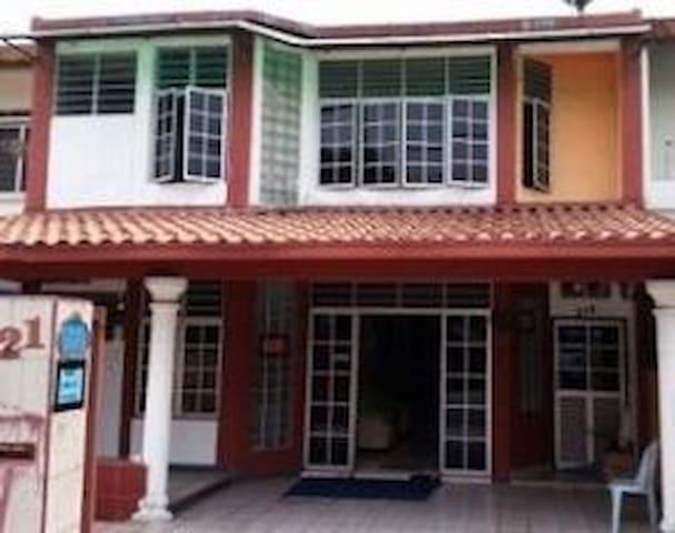 Alex Guesthouse Kuala Lumpur (Single Room 1) - Kuala Lumpur - Huis