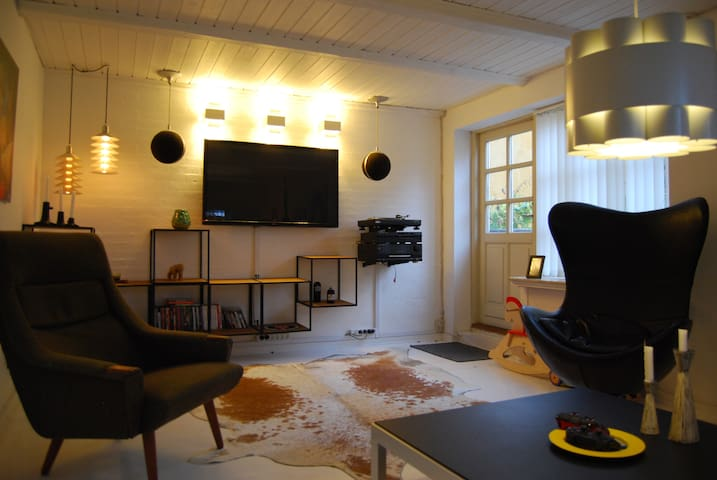 Charming old townhouse with atrium - Aarhus - House