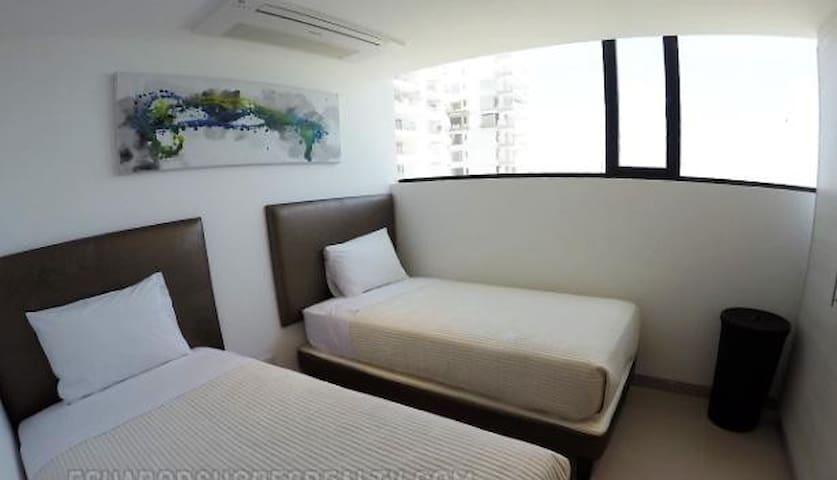 Bedroom - 2 Twin Beds