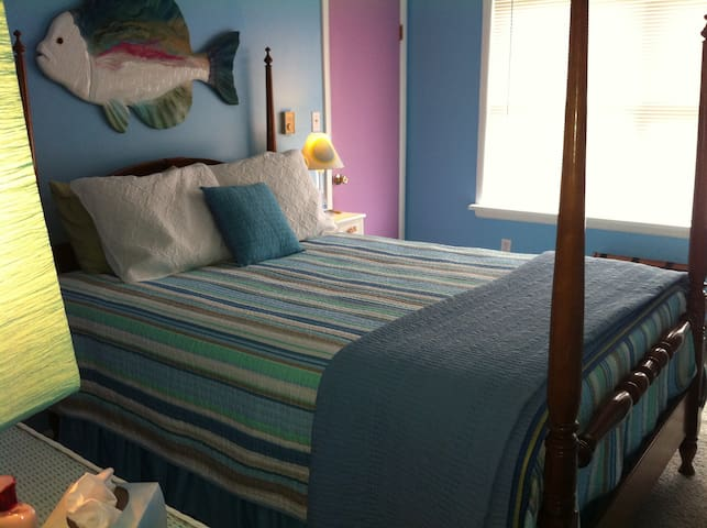 Private Home with Guest bedrooms - West Cape May - Huis