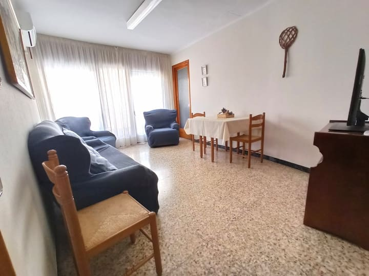 Ca Paco, Catalan terraced town house garage #