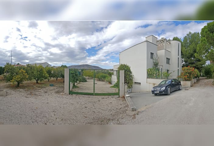 2 Bedrooms. Modern, with garden, pool, (Shared) - Cehegín - House