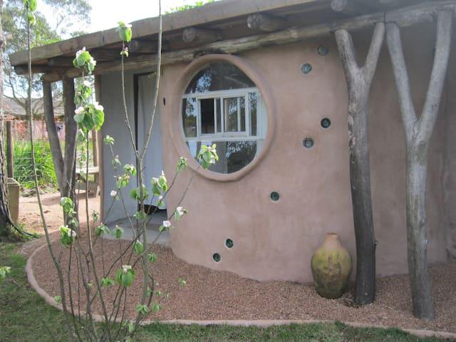 """Planeta Cuchitril: loft """"Hornero""""  - Punta del Diablo - Loft"""