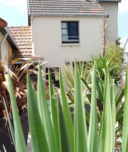F2 (1)  situé à 50m de la plage - Pirou - Apartament