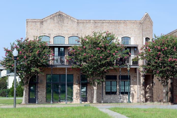 Historic Aragon Executive Apartment