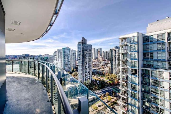 30 Days Luxury City Views Condo w/Resort Amenities