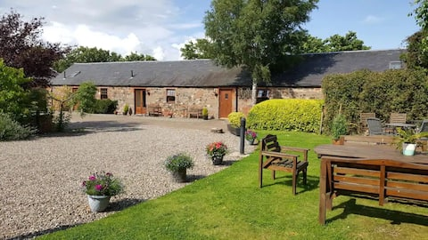 Converted stables in scenic Perthshire, nº 3