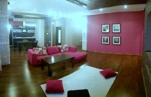 Элитная 2х комнатная,в новом доме,по Кунаева
