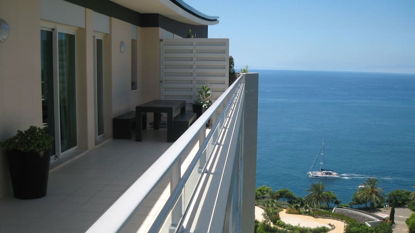 Penthouse Apartment with sea view - Funchal - Apartment