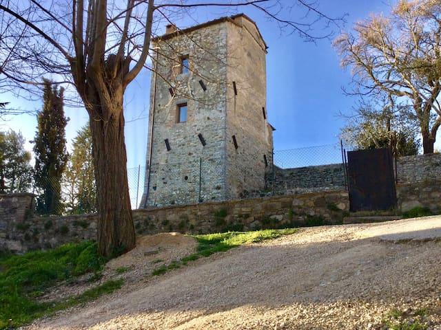 Antica torre in Toscana - San Casciano dei Bagni - Haus