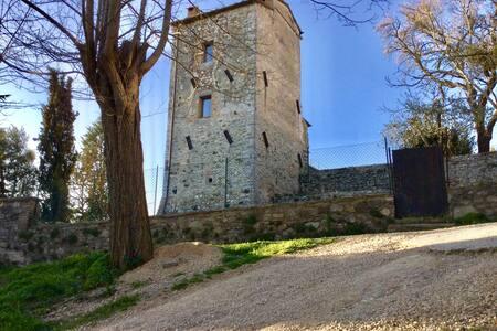 Antica torre in Toscana - San Casciano dei Bagni - Σπίτι