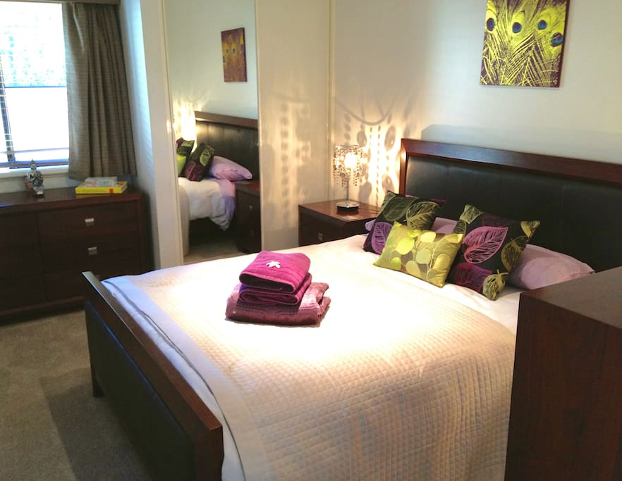 Bali Room with TV/DVD and comfortable queen bed.