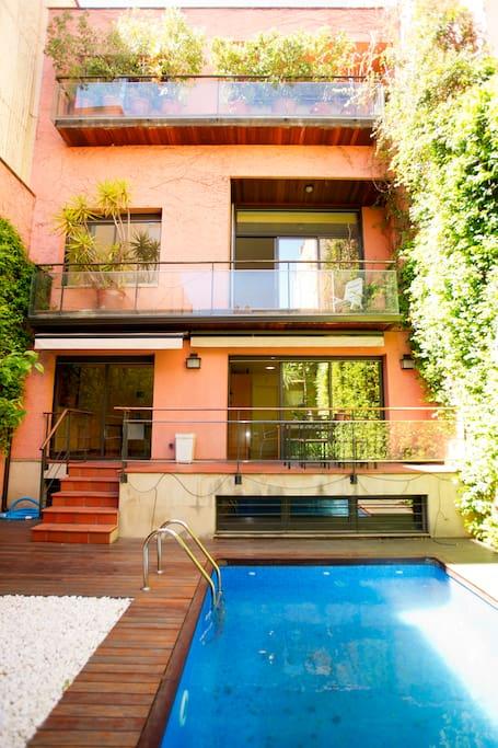 maison avec jardin barcelone maisons louer barcelone catalogne espagne. Black Bedroom Furniture Sets. Home Design Ideas