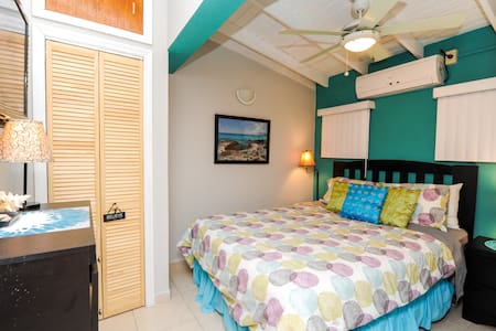 Condo 1 bedroom clean quiet - Cole Bay - Flat