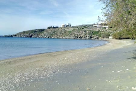 Traditional house by the sea - Agios Romanos - Dom
