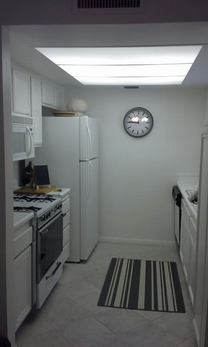 Fully furnished kitchen w microwave and coffee maker