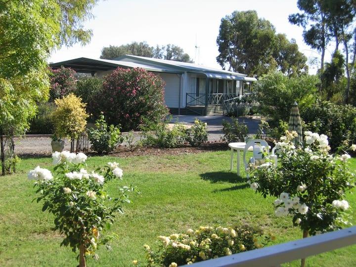 Villa Bliss- 2 bedroom cottage.