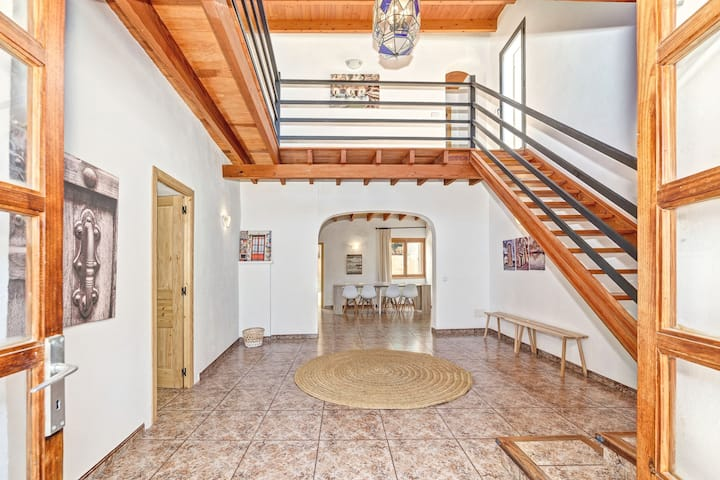 Charming country house with pool – Villa Es Molí de'n Palmer