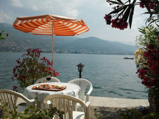 Rosana's Cozy Double Room Lake View - Ohrid - Bed & Breakfast