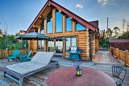Central Mt Lemmon Getaway w/ 2 Decks, BBQ & Views!